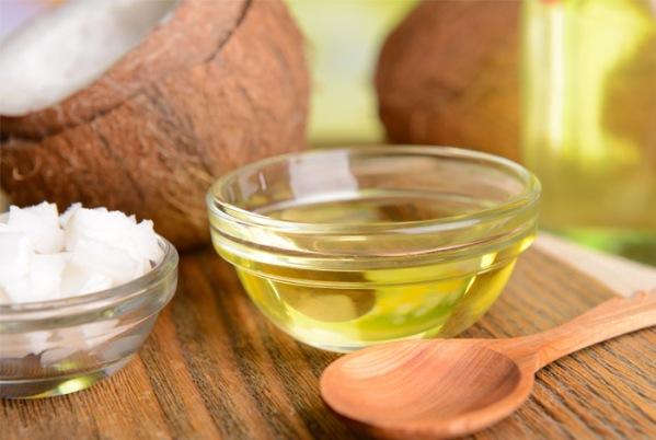 coconut-oil-wooden-sppoon.jpg