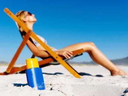 -sun-tanning-beach-sunscreen-